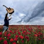 日本人が英語の歌詞を歌っている!わくわくする音楽映像ベスト3